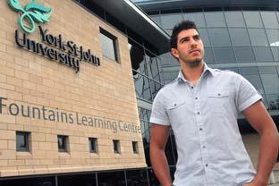 All students 'should pay tuition fees'