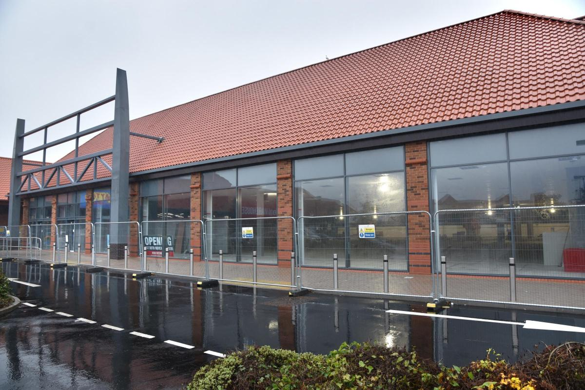 Home Bargains store set for move into former Toys R Us site ...
