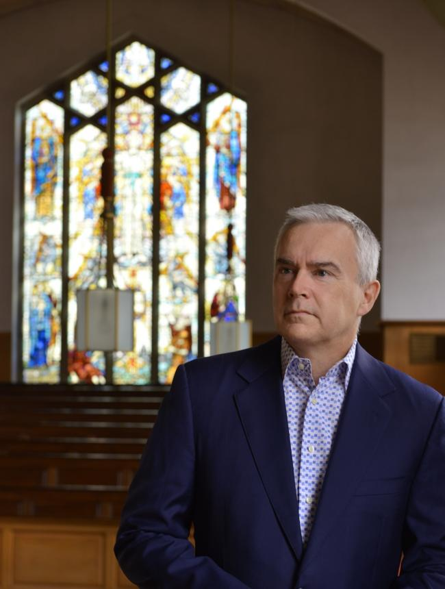 Huw Edwards, the chief anchor of BBC News at Ten, will receive his honorary degree in York today