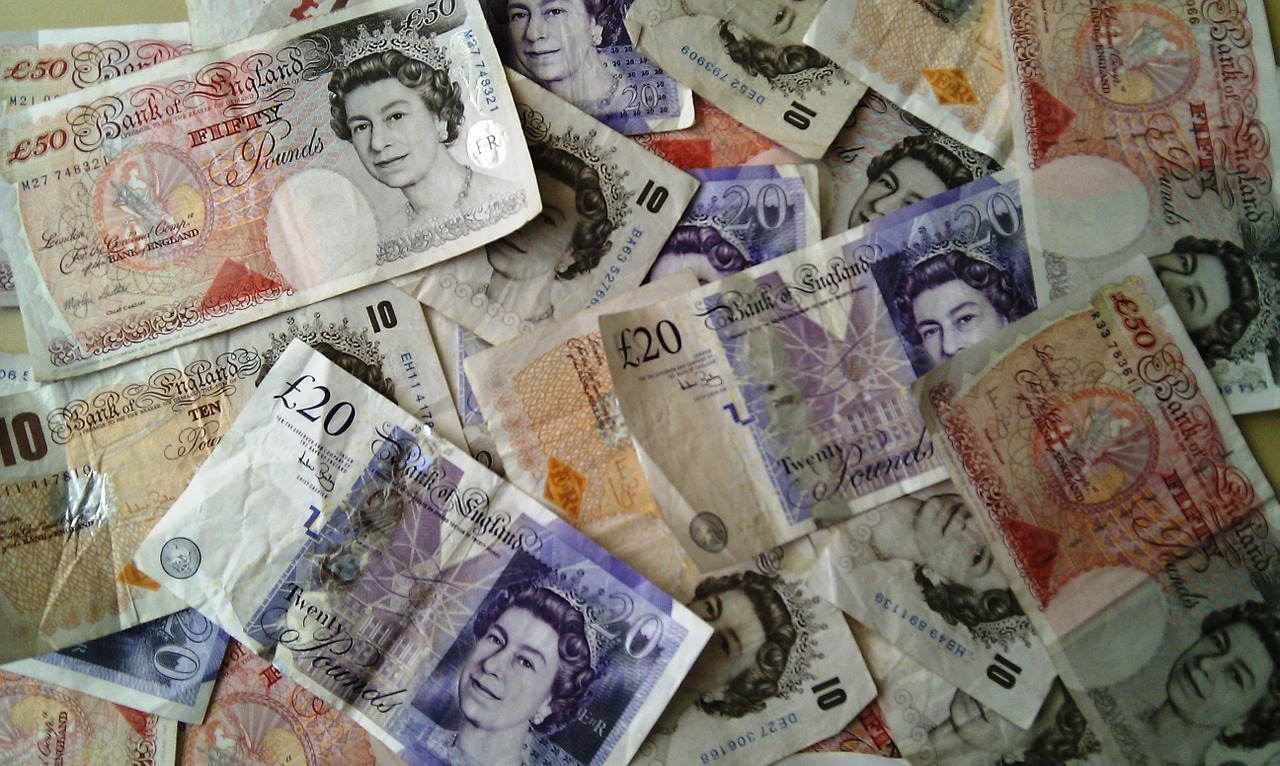 Quidco staff will be handing out cash to passers-by in York