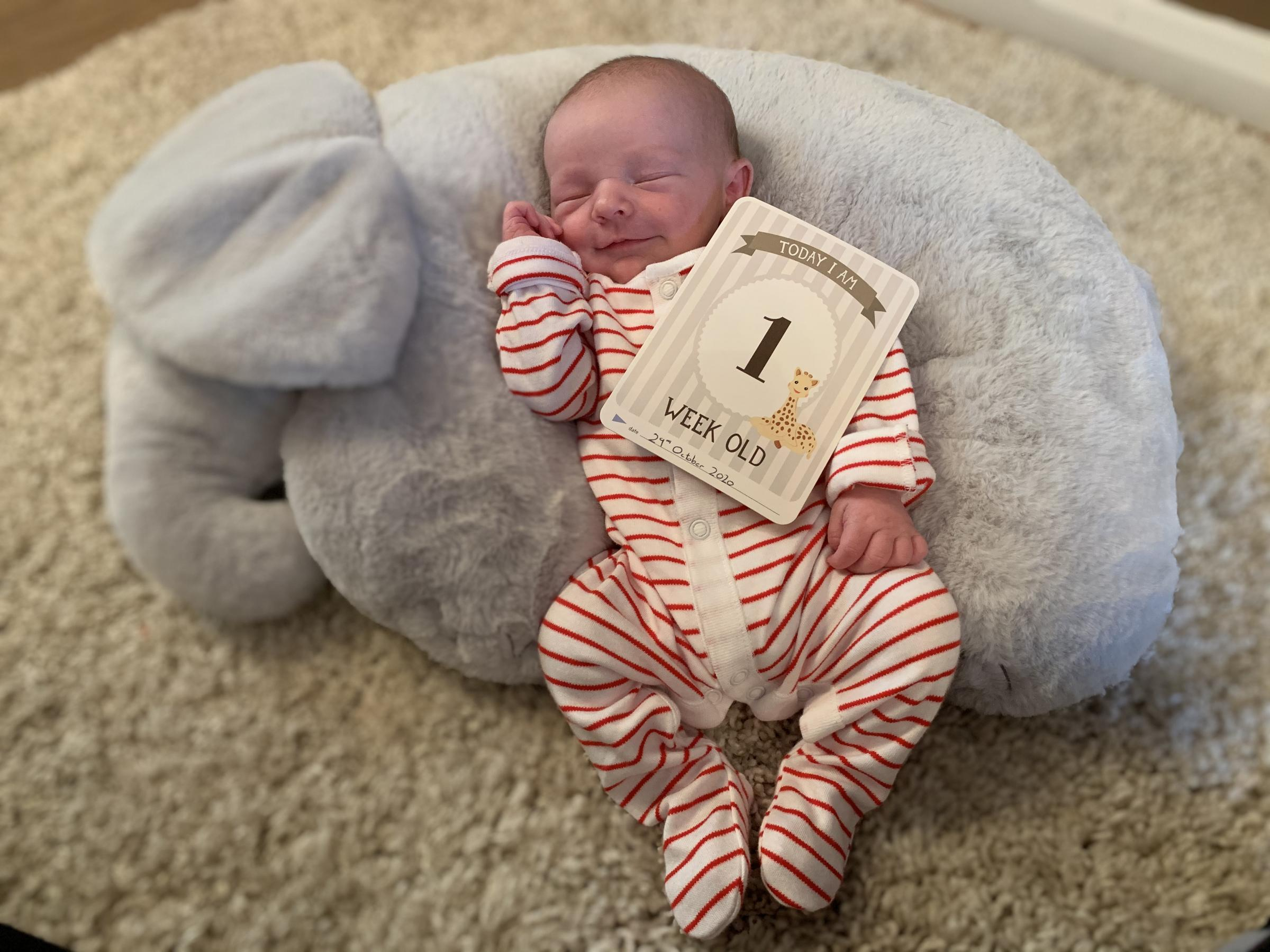 York Press: Freddie Elliott Calpin was born on October 22 weighing 7lb 1.5oz  at York Hospital to Chloe Elliott and Joe Calpin of Rawcliffe, York. Freddie at one week old.