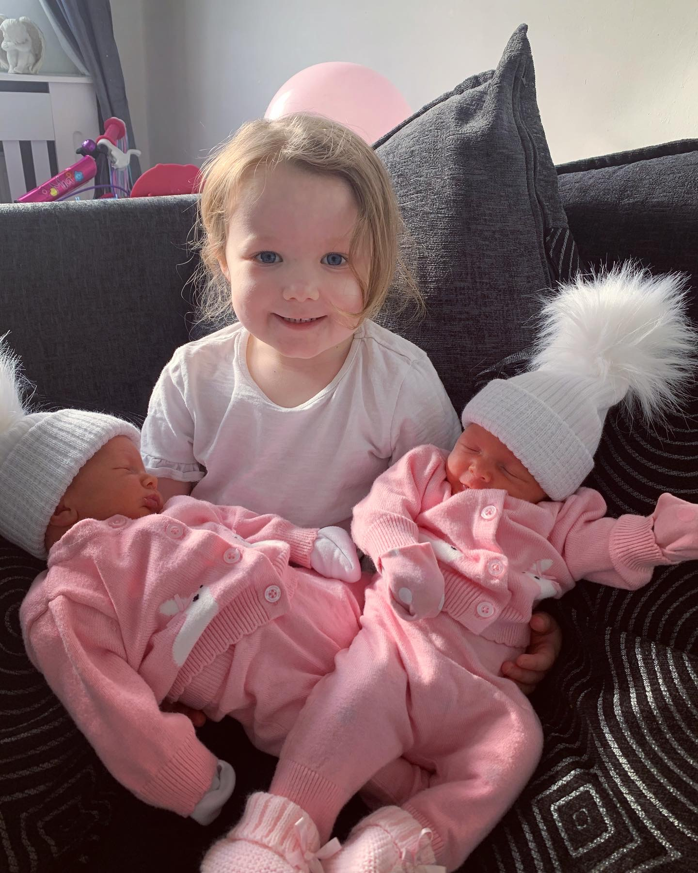 York Press: Eliza-Rose meeting her baby sisters for the first time