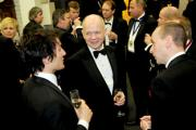 William Hague, centre, chatting before last night's dinner