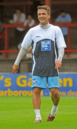 Winger David McDermott has been welcomed back to Bootham Crescent by new York City boss Gary Mills