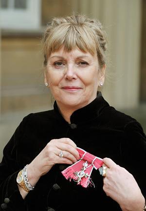 Author Kate Atkinson Receives Mbe At Buckingham Palace York Press