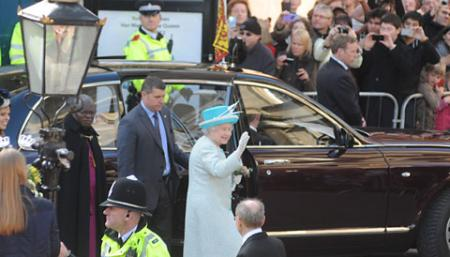 The Queen at the Mansion House