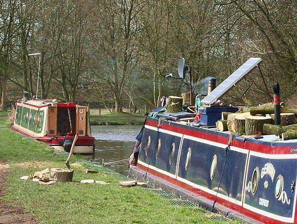 Narrow boats on Leeds and Liverpool canal