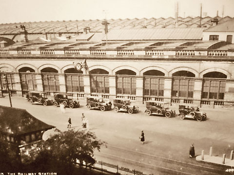 Taxis at York station in the 1920s