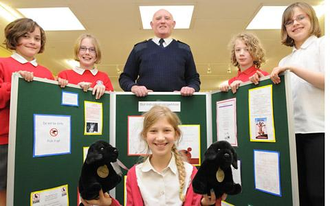 West Heslerton Primary School pupils Alicia Davison, Lucy Broomfield, Finley May, Rowan Lyall and Lily May with dog warden Brian Dunn, Finley May and Rowan Lyall