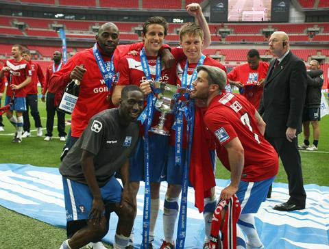 York City players with trophy
