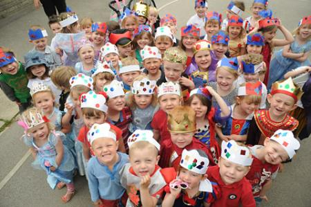 Woodthorpe Primary School Jubilee      celebrations