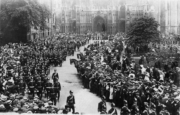 Troops leave York Minster on Military Sunday in 1916