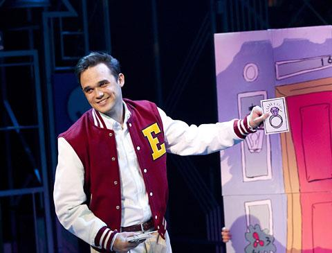Gareth Gates as Eddie in Loserville