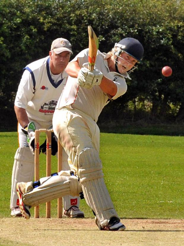 Woodhouse Grange batsman Chris Bilton kept his side in the title frame in division one of the Foss Evening League