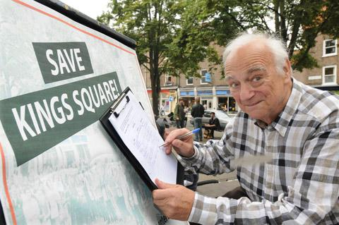 TV comedian Roy Hudd signs a petition to stop a pavement café operating in King's Square