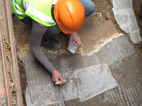 Sewer engineers find Roman mosaic