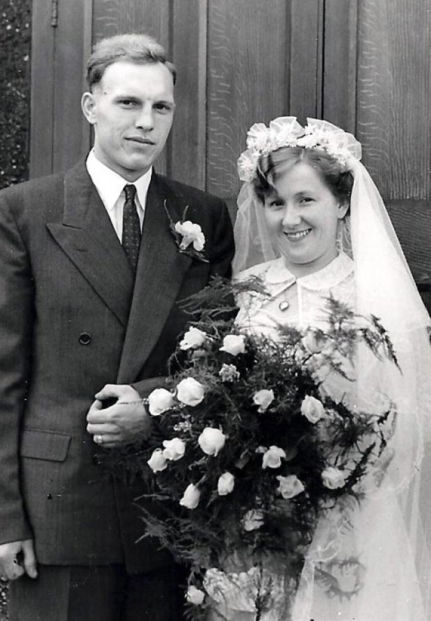 Edgar Wallace Dawson and Teresa on their wedding day in 1952