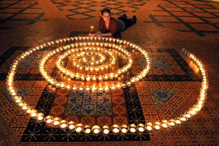 Spiral of candles at York Minster to honour loved ones