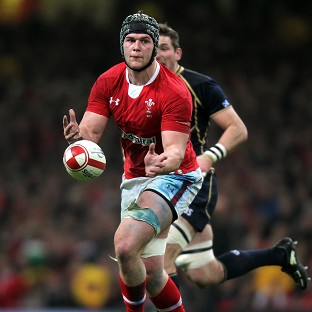 Newport flanker Dan Lydiate will move to Europe at the end of the season