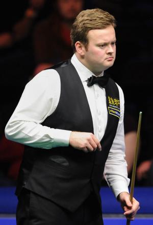 Shaun Murphy studies the table during his 6-2 win over Graeme Dott