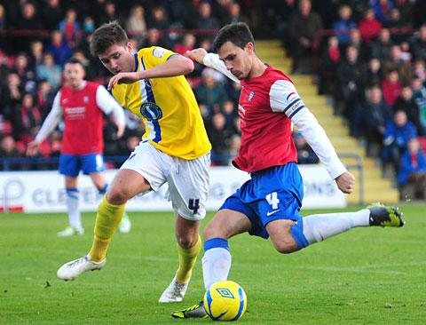 York City captain Chris Smith is expected to face Aldershot Town – weather permitting – despite a foot injury