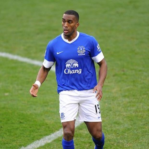 York Press: Sylvain Distin will stay wiith Everton until 2014