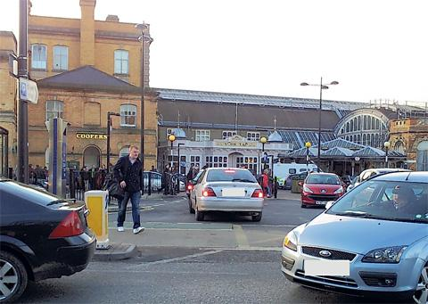 Traffic at York Station
