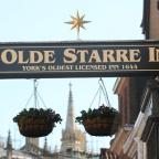 The star returns to Ye Olde Starre Inne in Stonegate
