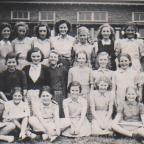 Knavesmire Secondary Girls School in 1946 - list of names at bottom of article.