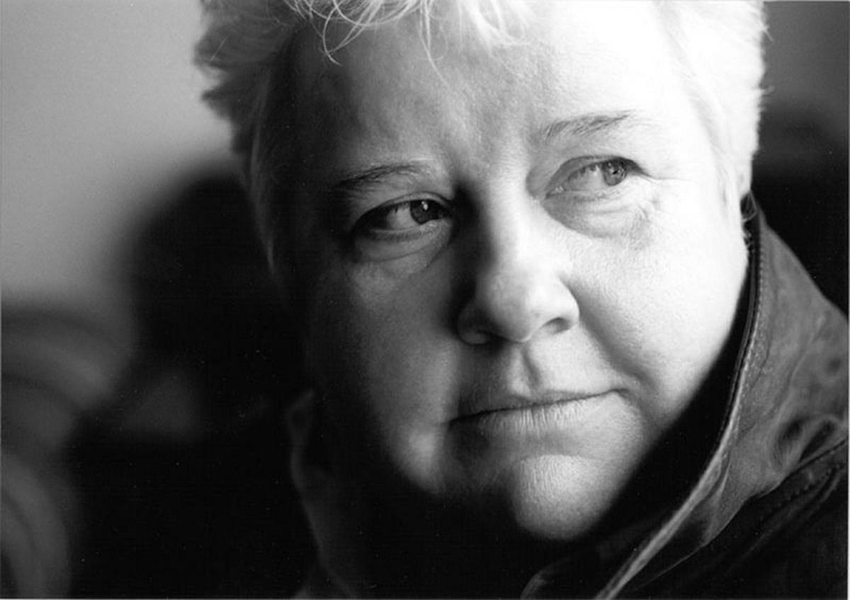 Acclaimed crime writer Val McDermid talks about crime, comedians and ...