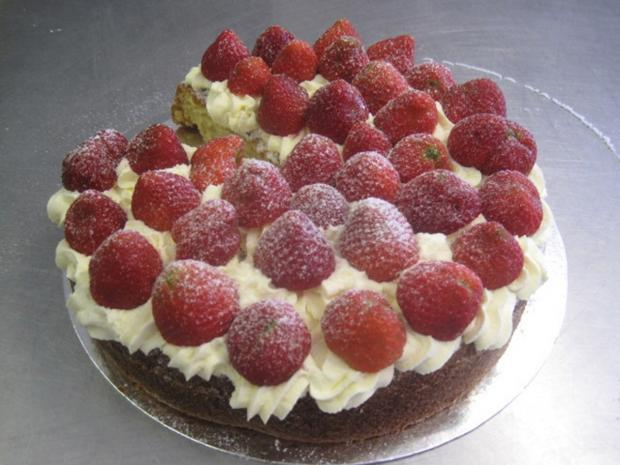 York Press: Strawberry and custard cake
