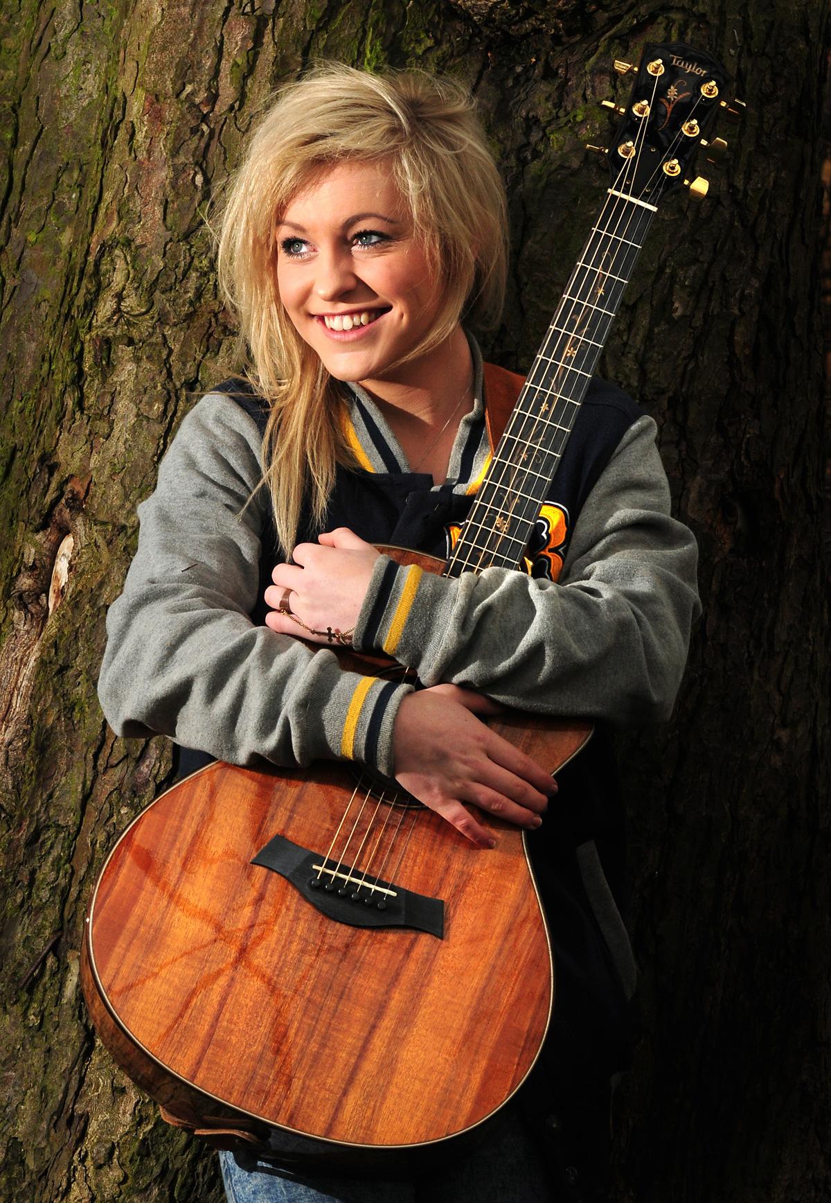 Teen Singer Photos Video 109