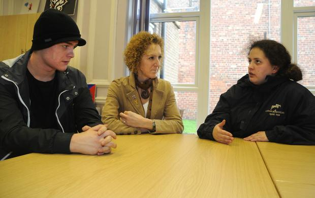 Coun Tracey Simpson-Laing talks to Scott Lyons and Samantha Botten at the Howe Hill Hostel