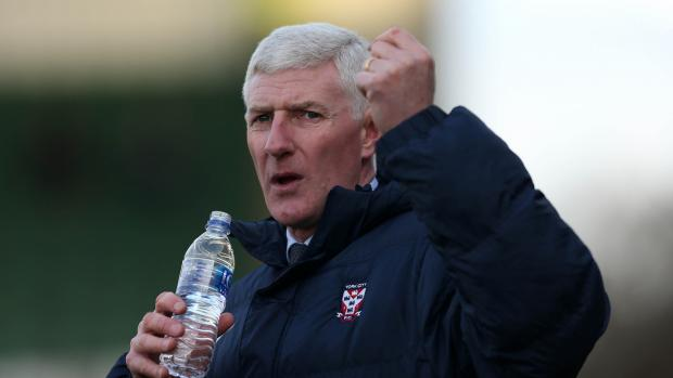 York City manager Nigel Worthington says Saturday's play-off semi-final first leg should not be tense