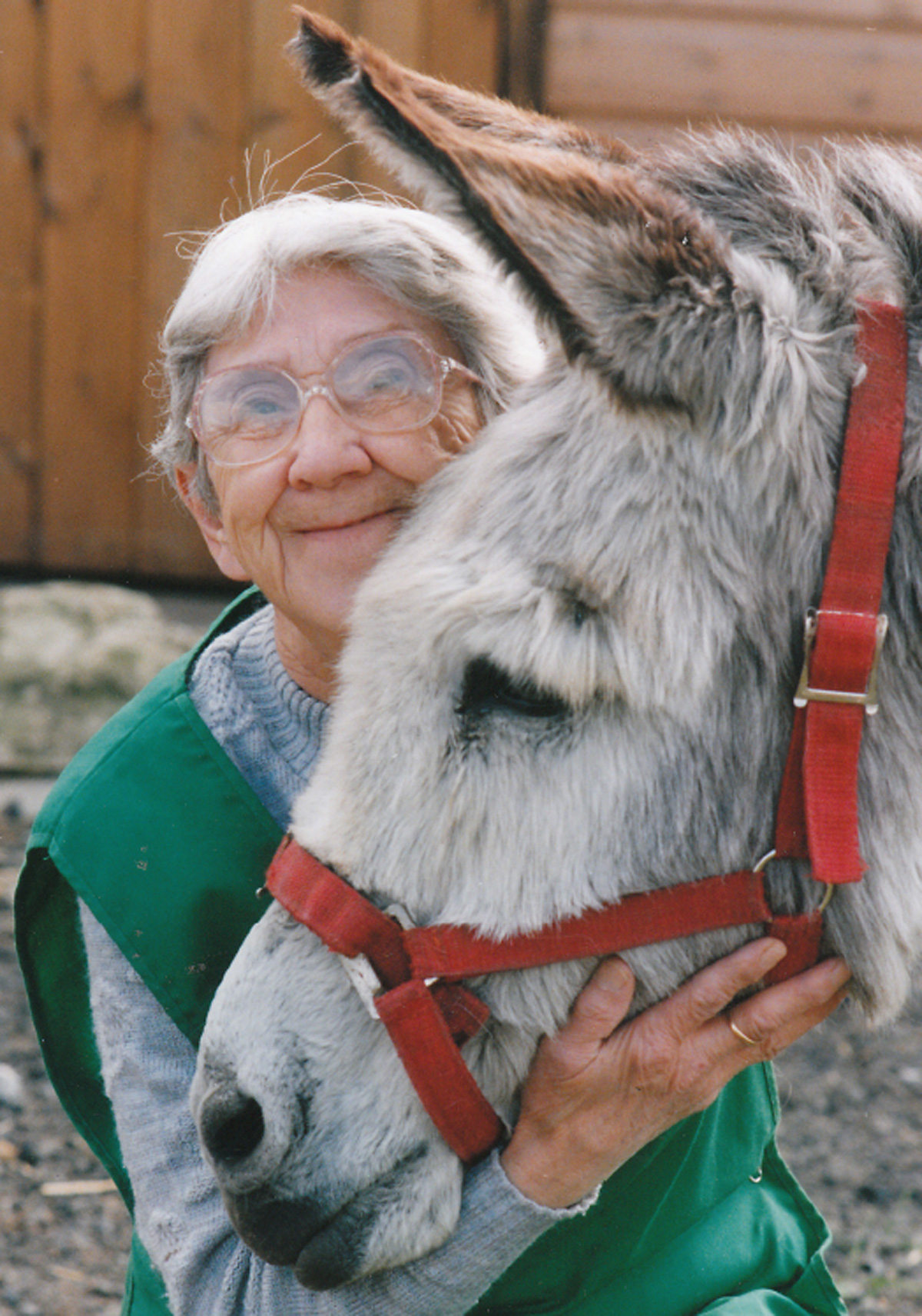 Joan Scott, who ran the animal sanctuary at Hambleton, near Selby, and who has died aged 94