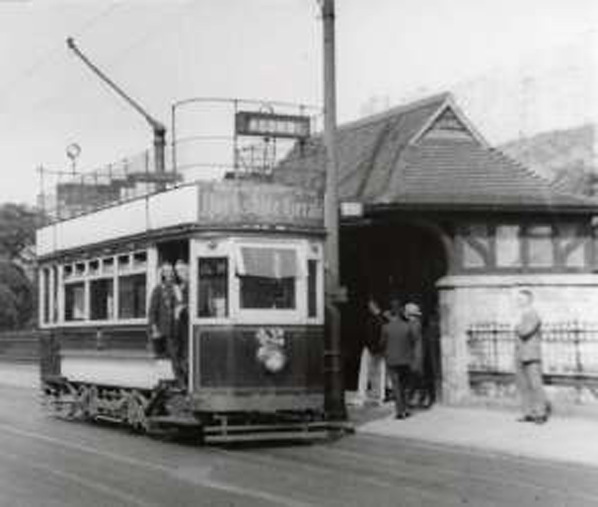 The tram shelter as it was in the 1930s. Image courtesy of York's City Archives https://cyc.sdp.sirsidynix.net.uk