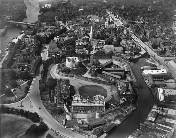 4 historic pictures of York