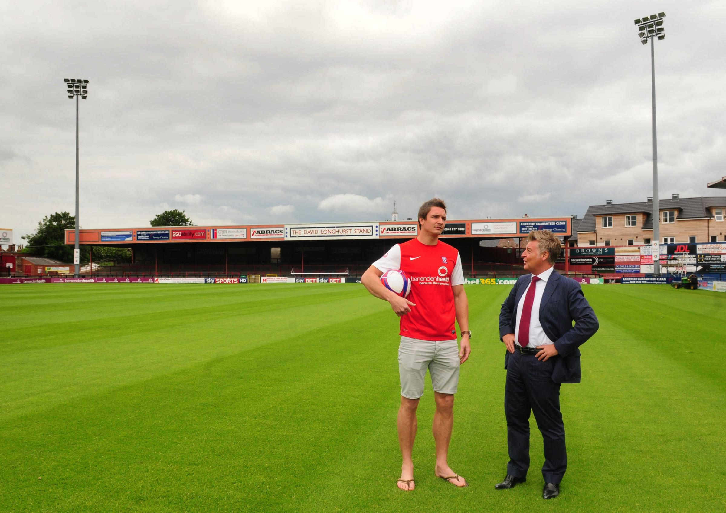 New signing Dave Winfield up for challenge of breaking York City's solid centre-back pairing