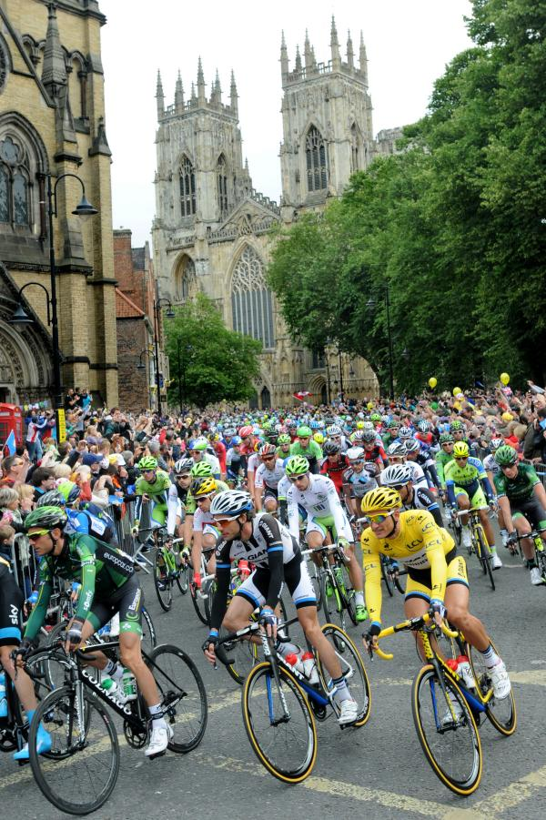 Historic scenes as 100,000 watch Tour de France in York