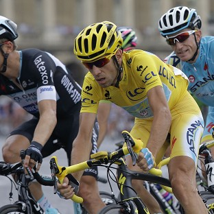Nibali crowned as Kittel wins stage