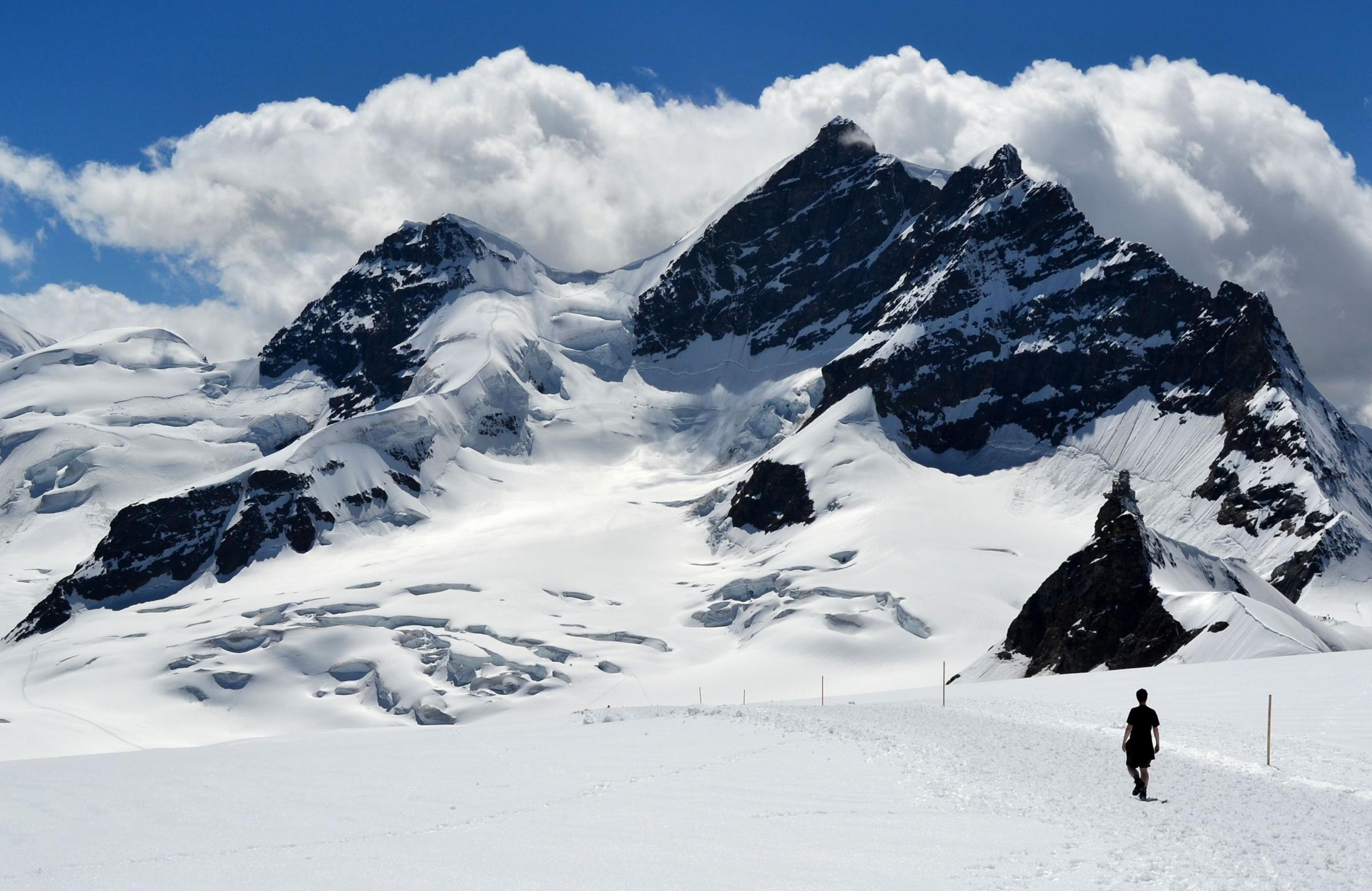 Hot-footing it in the breathtaking mountains of the Jungfrau region in Switzerland