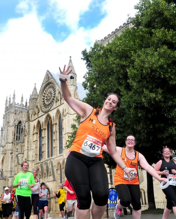 York 10k: Thousands complete charity run