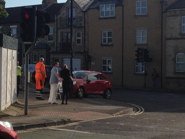 Car crashes into lamppost