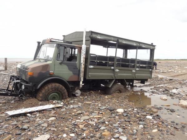 Safari to Spurn Point needs helping hand after vehicle gets stuck