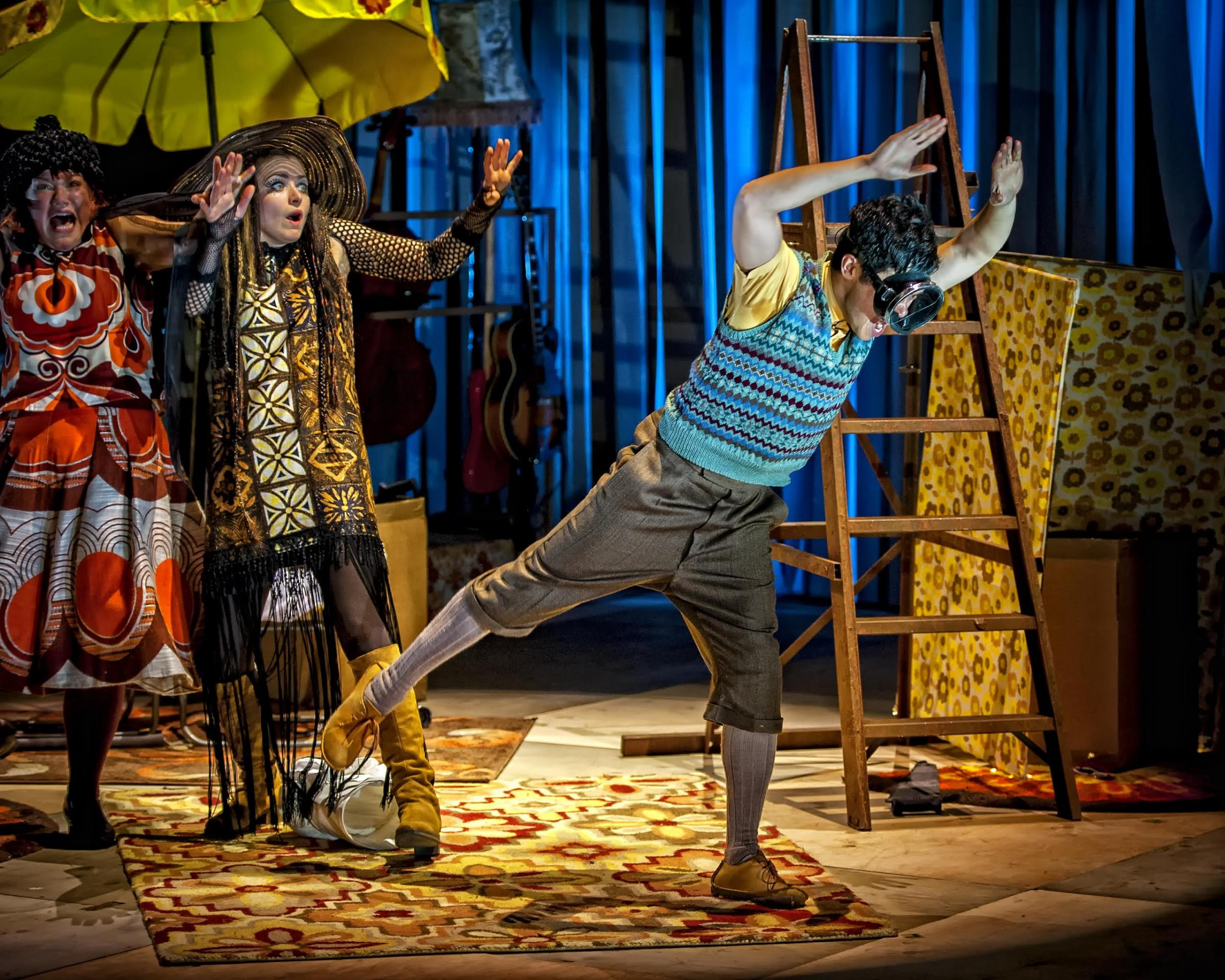 Review James And The Giant Peach Courtyard Theatre West