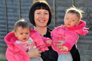 Grateful mum to run Yorkshire Marathon in aid of medics who saved her daughters' lives