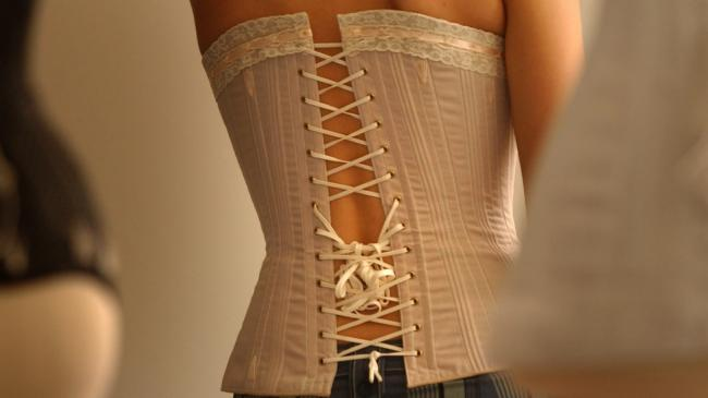 a7896f973c 11 things you need to know about waist training before you jump on the  celebrity corset-wearing bandwagon