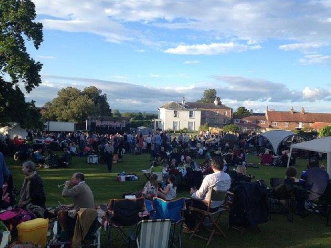 Northern Aldborough Festival: Take That (tribute) vs West Life (tribute)