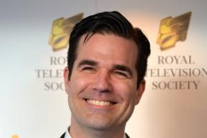 Taking children back to US would be bad parenting, says Rob Delaney