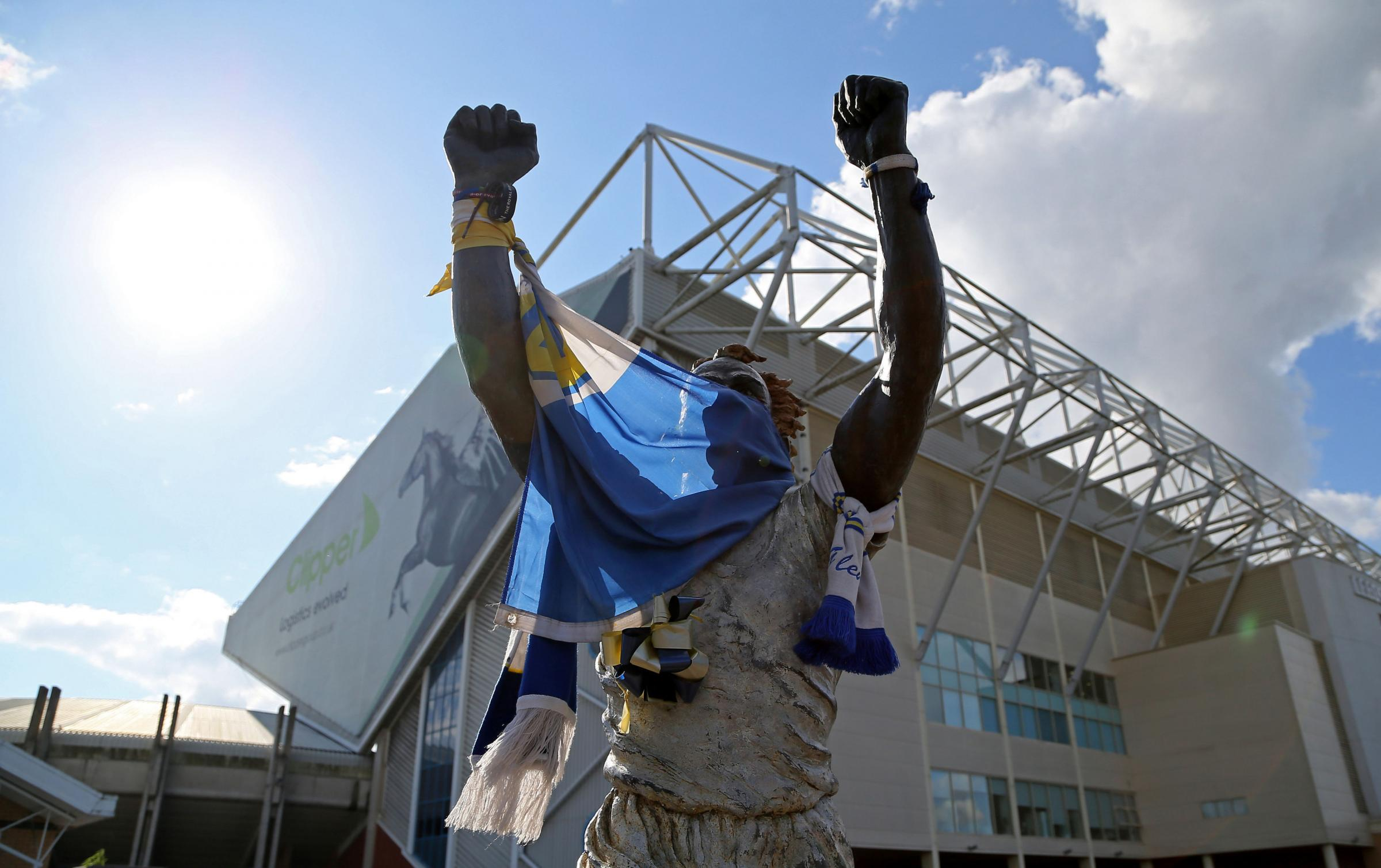 The Billy Bremner statue outside Elland Road before the Carabao Cup, First Round match between Leeds United and Port Vale. PRESS ASSOCIATION Photo. Picture date: Wednesday August 9, 2017. See PA story SOCCER Leeds. Photo credit should read: Richard Seller